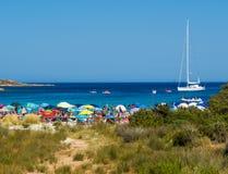 Spiaggia del Relitto, ö av Caprera Arkivbild