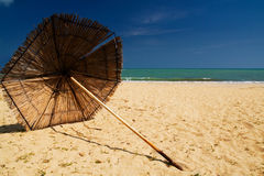 Spiaggia del ricorso di estate Fotografie Stock Libere da Diritti