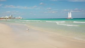 Spiaggia del sud di Miami, Florida, U.S.A. archivi video