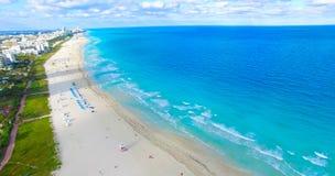 Spiaggia del sud, Miami Beach florida Siluetta dell'uomo Cowering di affari Fotografia Stock Libera da Diritti