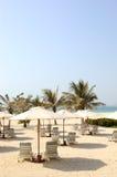 Spiaggia dell'albergo di lusso immagini stock libere da diritti