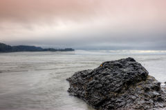 Spiaggia dell'insenatura del sale al crepuscolo Fotografia Stock