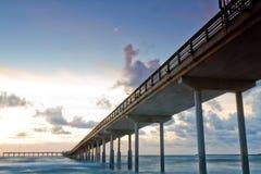 Spiaggia dell'oceano, pilastro della California Fotografia Stock