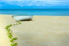 Spiaggia della barca Fotografie Stock Libere da Diritti