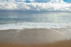Spiaggia della città di Barcellona, tempo nuvoloso Immagine Stock Libera da Diritti