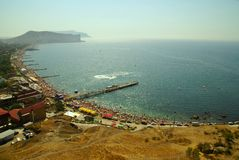 Spiaggia della Crimea. Litorale dei mari neri Immagini Stock
