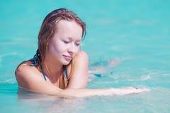 Spiaggia della donna del ritratto Fotografia Stock Libera da Diritti