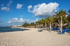 Spiaggia della località di soggiorno Immagini Stock Libere da Diritti