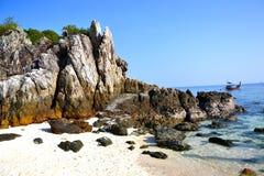 Spiaggia della scogliera fotografia stock libera da diritti