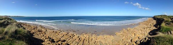 Spiaggia della spuma un giorno piano Fotografia Stock Libera da Diritti