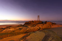 Spiaggia della testarossa - Newcastle Australia - alba di mattina Fotografie Stock