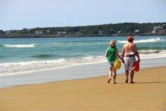 Spiaggia delle coppie Fotografia Stock