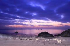 Spiaggia di alba Immagini Stock Libere da Diritti