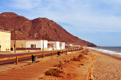 Spiaggia di Almadraba nel parco naturale di Cabo de Gata-Nijar, in Spagna Fotografie Stock