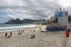 Spiaggia di Arpoador in Rio de Janeiro Immagini Stock Libere da Diritti