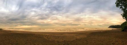 Spiaggia di Bahia Ballena, Costa Rica fotografia stock libera da diritti