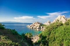 Spiaggia di Cala Spinosa Tegumento del seme del capo, isola della Sardegna, Italia fotografie stock
