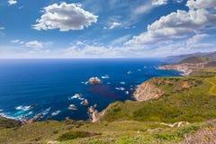 Spiaggia di California in Big Sur in itinerario 1 della contea di Monterey fotografia stock
