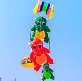 SPIAGGIA di CHA - 9 marzo: quindicesimo festival internazionale dell'aquilone della Tailandia Immagini Stock