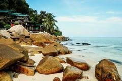 Spiaggia di corallo della baia fotografie stock