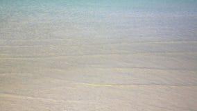 spiaggia di cristallo splendida dell'acqua, oceano, mare, Koh Rong, Cambogia video d archivio