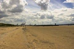 Spiaggia di Crosby nel paesaggio dell'Inghilterra giorno nuvoloso Fotografia Stock