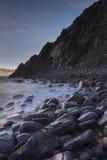 Spiaggia di Grota nel parco naturale di Sintra-Cascais, Portogallo immagine stock