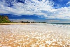 Spiaggia di Hargraves ad alta marea Immagini Stock