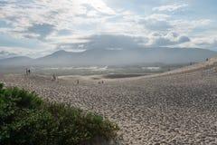 Spiaggia di Joaquina in Florianopolis, Santa Catarina, Brasile Immagini Stock