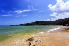 Spiaggia di Kamala, phuket, Tailandia Fotografie Stock Libere da Diritti