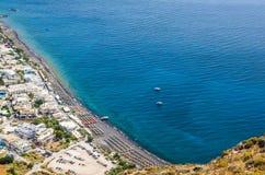 Spiaggia di Kamari, isola di Santorini, Grecia immagine stock