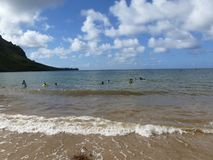 Spiaggia di Kualoa in Hawai fotografie stock libere da diritti