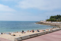 Spiaggia di Laje in Oeiras, Portogallo Fotografia Stock