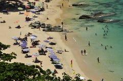 Spiaggia di Leamsing, Phuket, Tailandia Febbraio 2015 Fotografie Stock Libere da Diritti