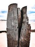 Spiaggia di legno di Lowestoft della posta immagine stock