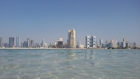 Spiaggia di Mamzar, Dubai, UAE fotografia stock libera da diritti