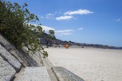 Spiaggia di Moledo un bello giorno soleggiato Fotografia Stock
