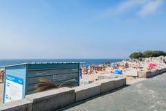 Spiaggia di Paco de Arcos in Paco de Arcos, Portogallo Fotografie Stock Libere da Diritti