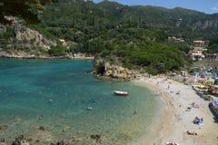 Spiaggia di Paleokastritsa a Corfù Grecia fotografia stock libera da diritti