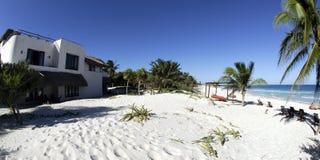 Spiaggia di paradiso in Tulum fotografia stock libera da diritti