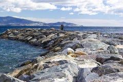 Spiaggia di pietra in Almunecar Fotografia Stock Libera da Diritti