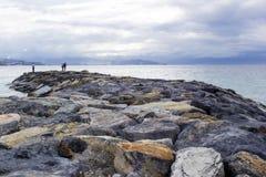 Spiaggia di pietra in Almunecar Immagine Stock