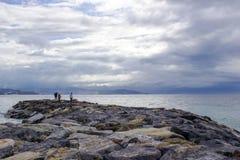 Spiaggia di pietra in Almunecar, Andalusia Fotografia Stock Libera da Diritti