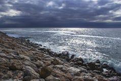 Spiaggia di pietra in Andalusia, Spagna Fotografia Stock Libera da Diritti