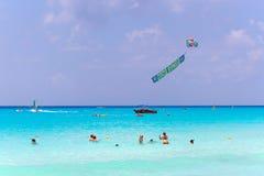 Spiaggia di Playacar al mar dei Caraibi nel Messico Immagini Stock Libere da Diritti