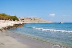Spiaggia di Pondamos, isola di Halki fotografie stock libere da diritti