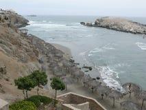 Spiaggia di Puerto Fiel Lima immagini stock