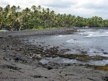 Spiaggia di sabbia del nero di Punalu'u Immagini Stock Libere da Diritti