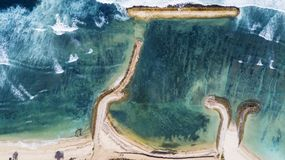 Spiaggia di Sanur con acqua del turchese immagini stock