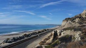 Spiaggia di stato di San Clemente accanto alla ferrovia Fotografie Stock